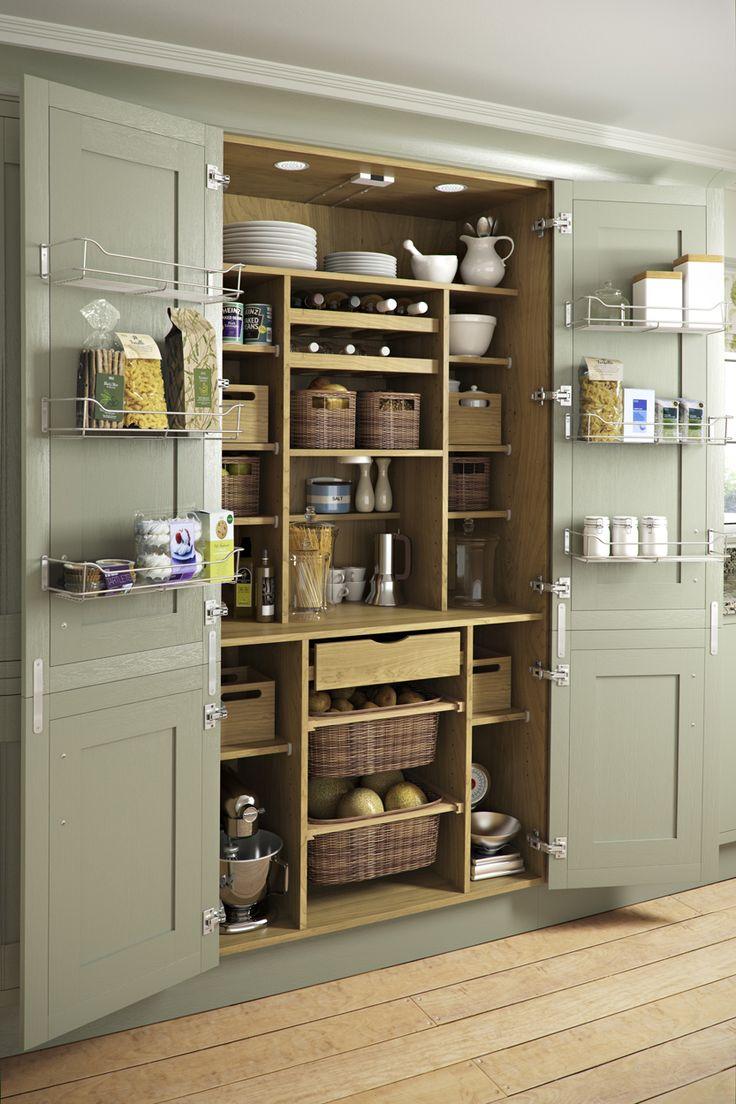 استفاده از کمدهای بلند و باکس ها در طراحی آشپزخانه کوچک