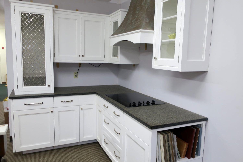 ایده های جذاب در مدل کابینت آشپزخانه L شکل آکس چوب