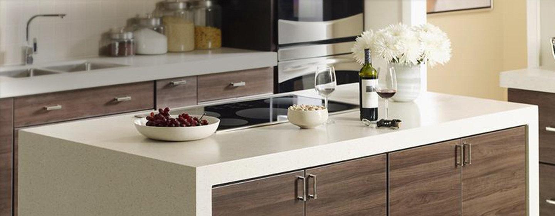 اپن آشپزخانه از جنس لمینت در آشپزخانه مدرن