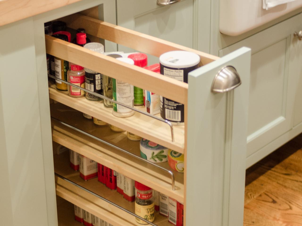 کشوهای عمودی در کابینت آشپزخانه کوچک