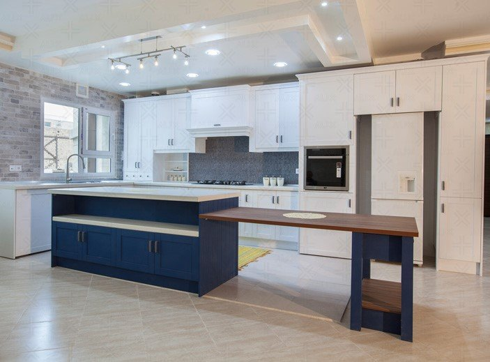 چیدمان آشپزخانه کوچک ایرانی و مدرن به رنگ سفید
