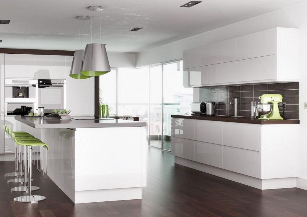 کابینت آشپزخانه هایگلاس سفید با نورپردازی