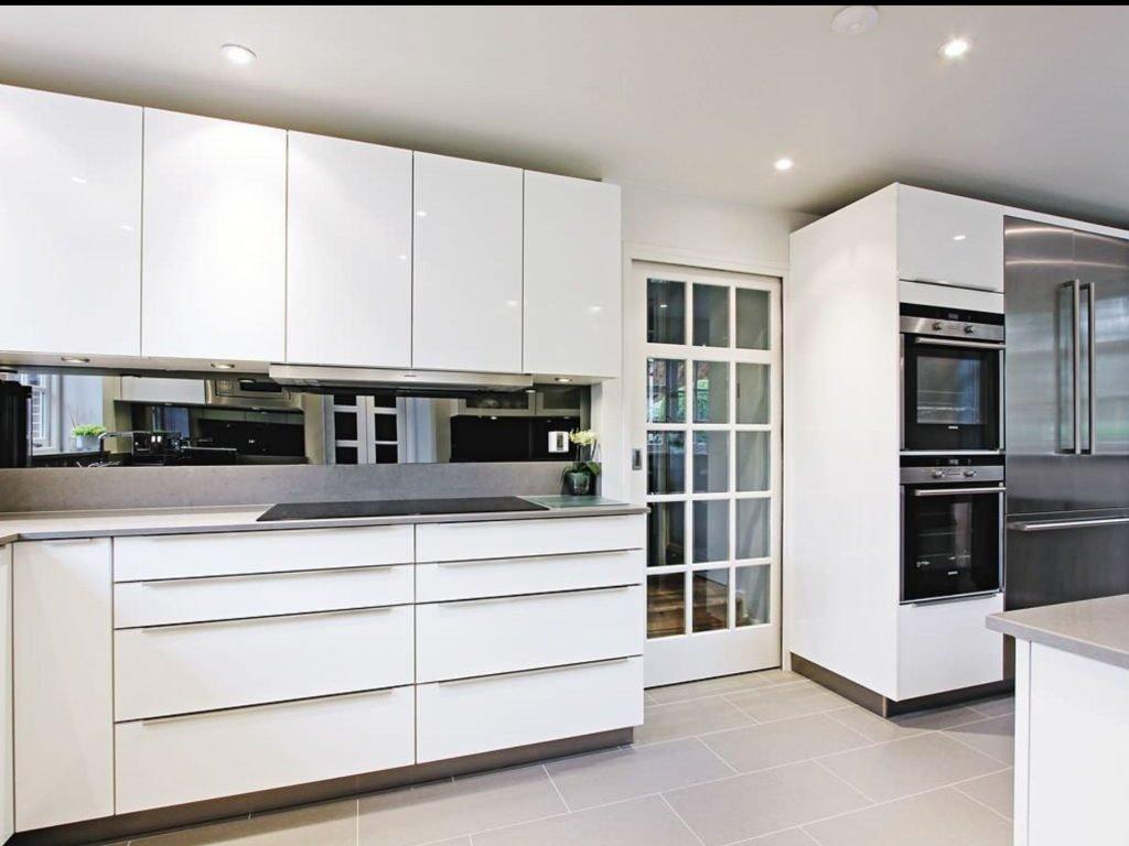 کابینت آشپزخانه هایگلاس سفید