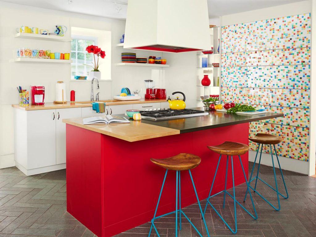 بزرگتر دیده شدن آشپزخانه با دادن رنگ بع محیط