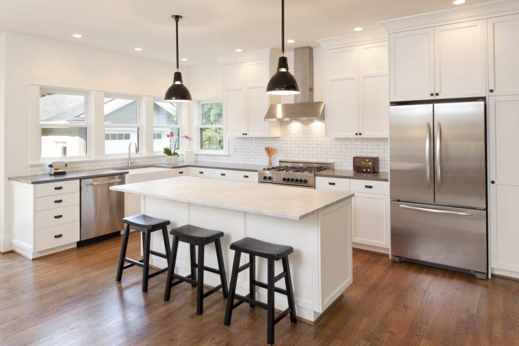 طراحی مناسب کابینت آشپزخانه سفید