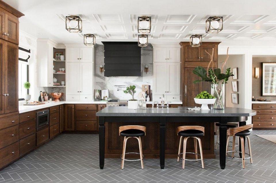 نورپردازی در آشپزخانه با چراغ ها سقفی