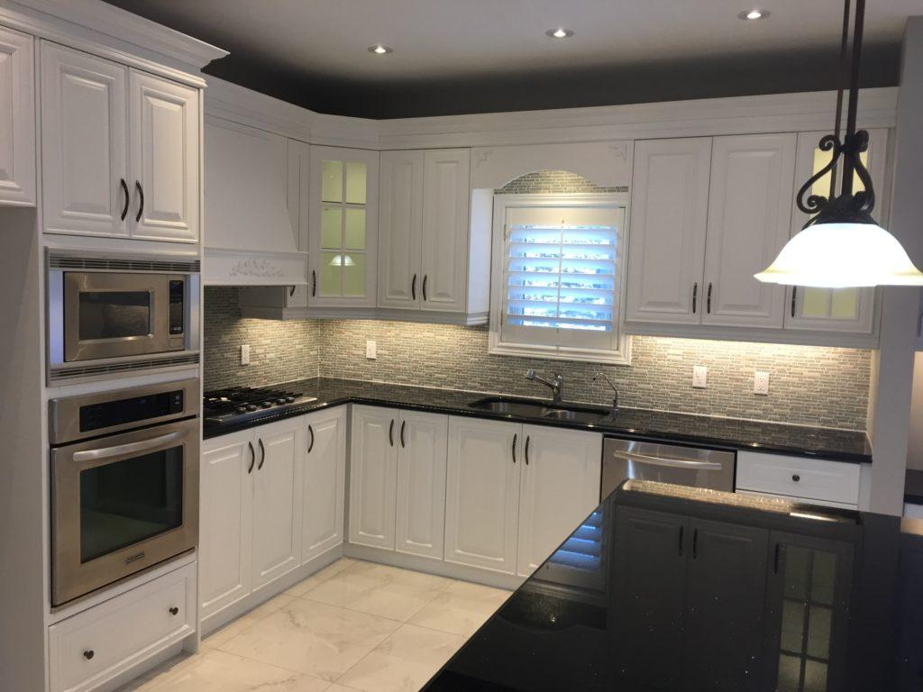 اصول مهم و تاثیرگذار در رنگبندی کابینت آشپزخانه آکس