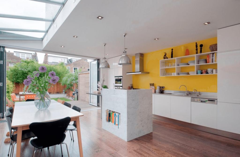 رنگ کردن دیوارها برای عوض کردن دکوراسیون آشپزخانه