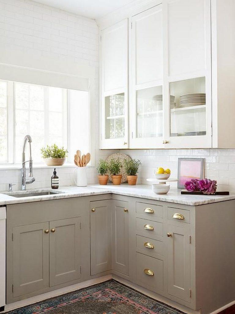 بهترین رنگ کابینت برای آشپزخانه کوچک با رنگ روشن