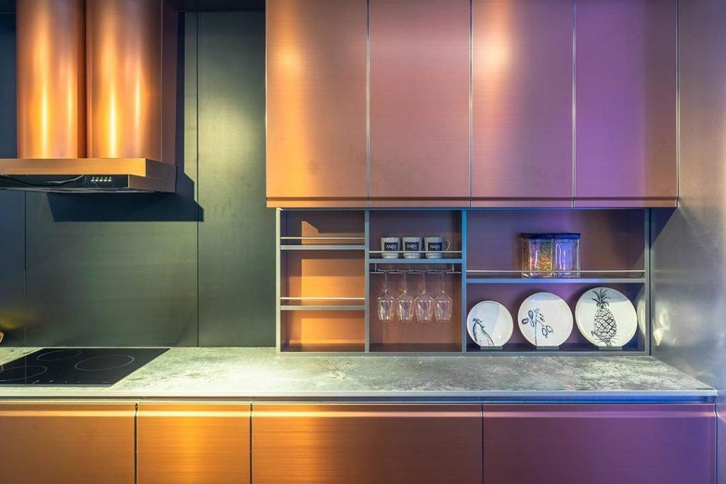 انواع جنس کابینت آشپزخانه : فلزی