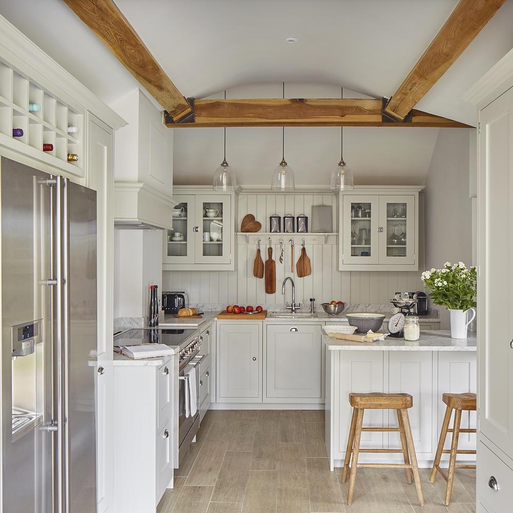 استفاده از شلف در مدل کابینت آشپزخانه کوچک