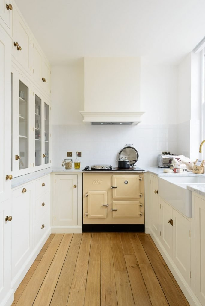 رنگ روشن در آشپزخانه کوچک