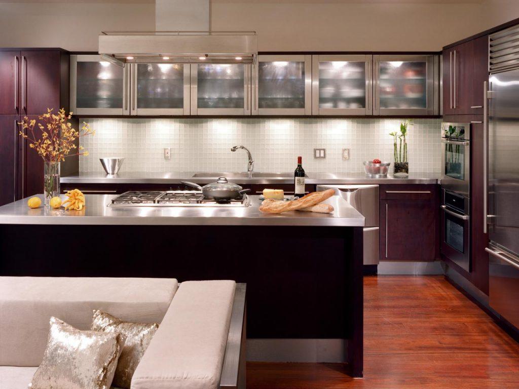نورپردازی کابینت های پایینی آشپزخانه