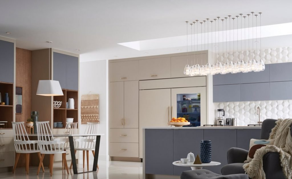 نورپردازی آشپزخانه با چراغ های آویزی
