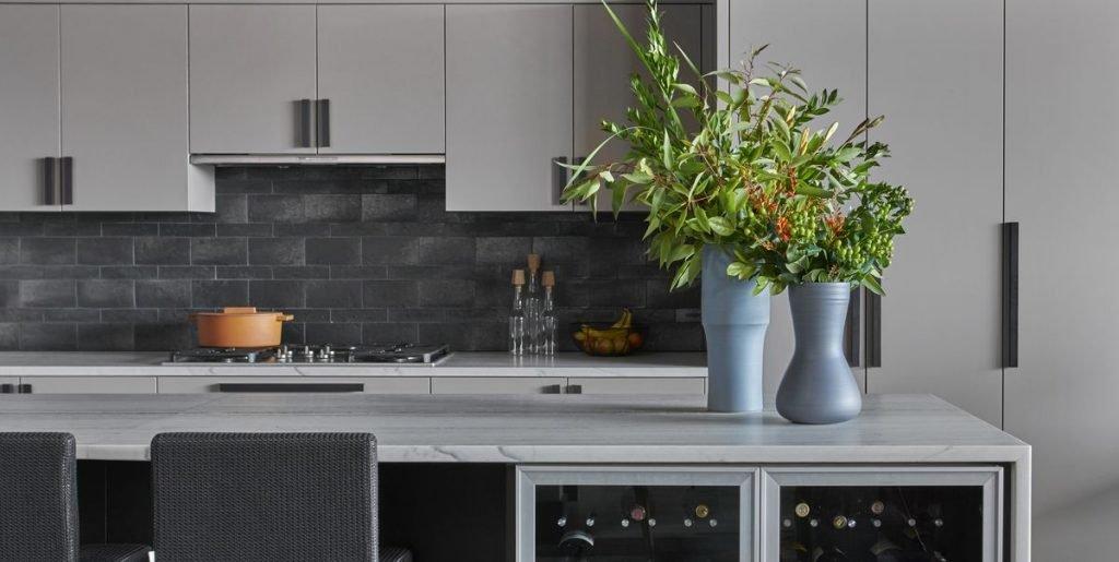 خلوت بودن فضای عمومی یکی از اصول فنگ شویی در آشپزخانه