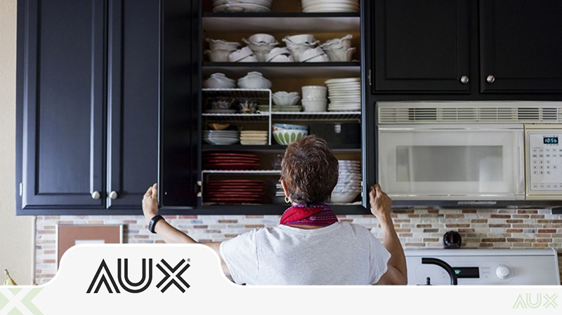 مرتب کردن کابینت آشپزخانه