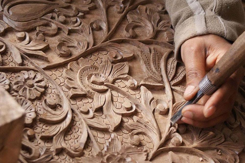 منبت کاری ایرانی هنر کندهکاری روی چوب